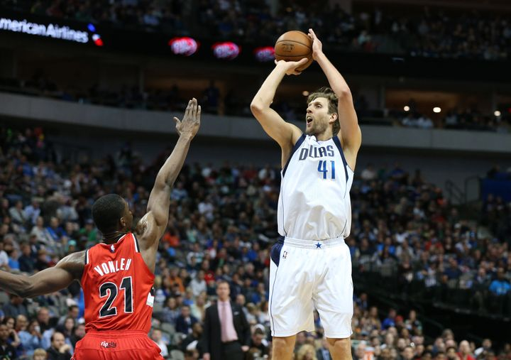 """7-footer Dirk Nowitzki -- whom the Dallas Mavericks selected in the 1998 NBA Draft -- popularized the term """"stretch"""" by becom"""