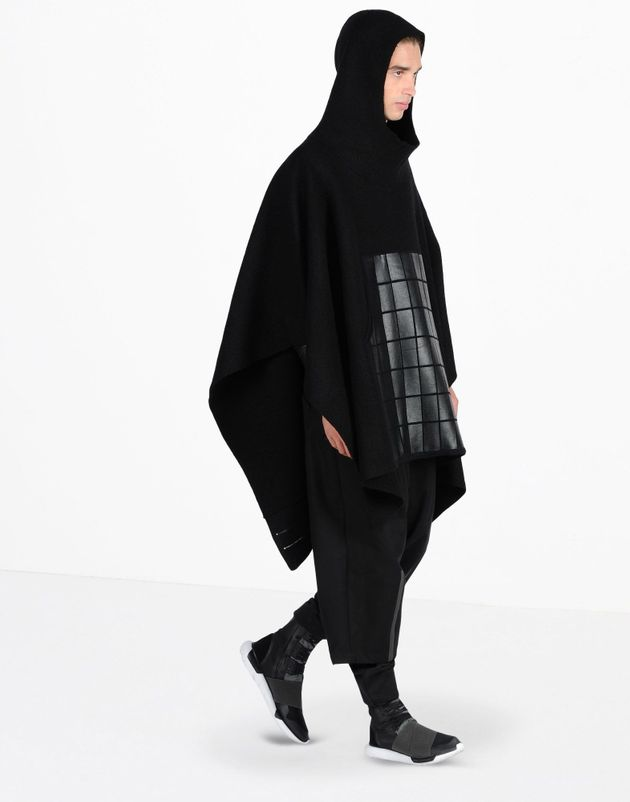The Mirror Confuses Janet Jackson's Adidas Poncho With 'Full Islamic