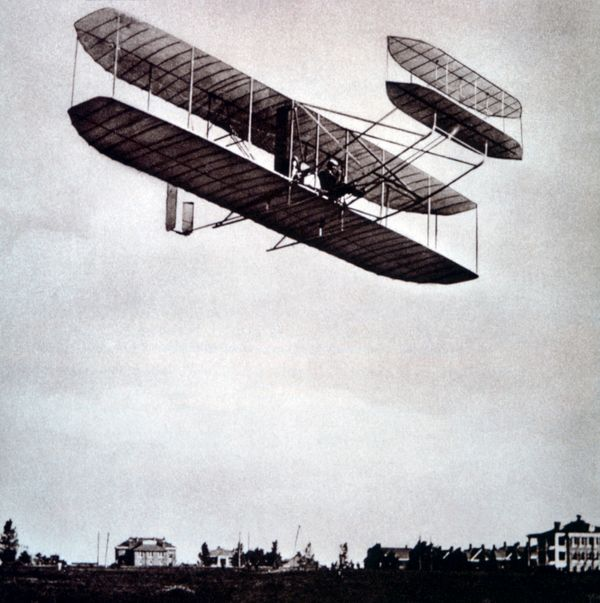 Orville Wright demonstrates the Wright bi-plane in Fort Myer, Virginia, in 1908.