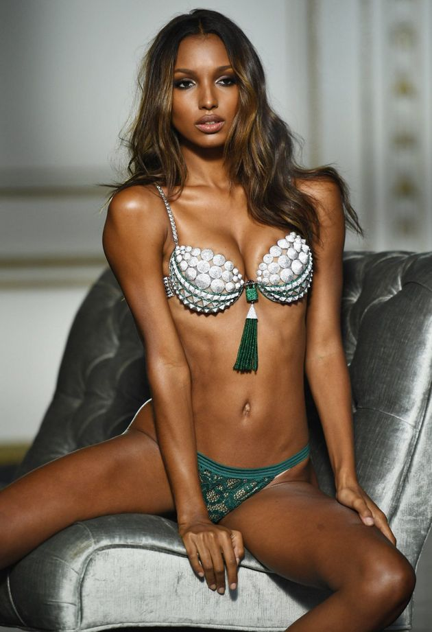 33bde5359e Victoria s Secret Unveil £2.5 Million Fantasy Bra