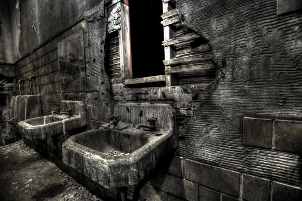 "Built inside a 130-year-old building that once served as a hotel, the <a href=""http://hauntedhotel.com/"" target=""_blank"">Haun"