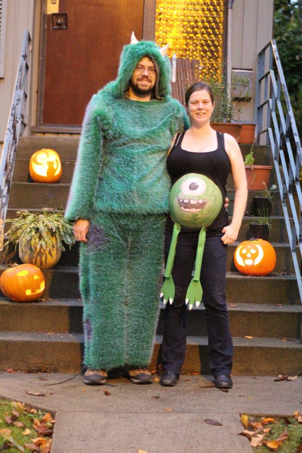 """Courtesy of <a href=""""http://www.huffingtonpost.com/2014/10/01/halloween-costumes-for-couples_n_5915288.html"""">Ben Slinger</a>"""
