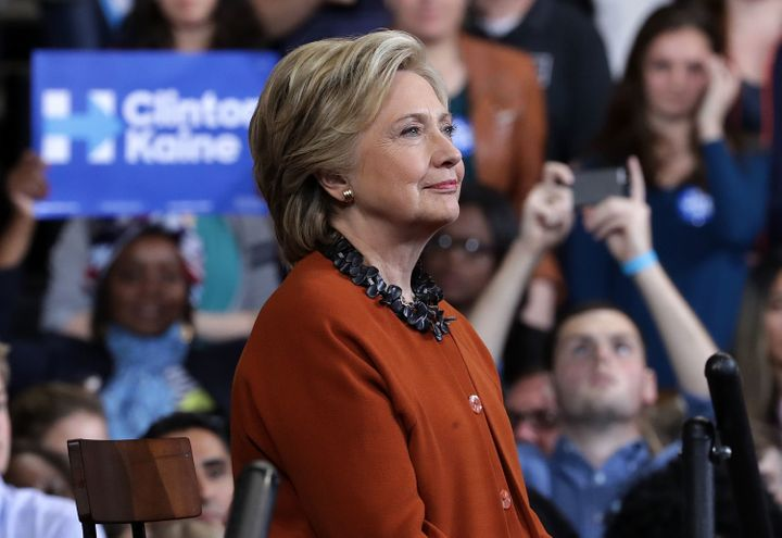 The main super PAC supporting Hillary Clinton has raised anunprecedented $176 million so far in the election.
