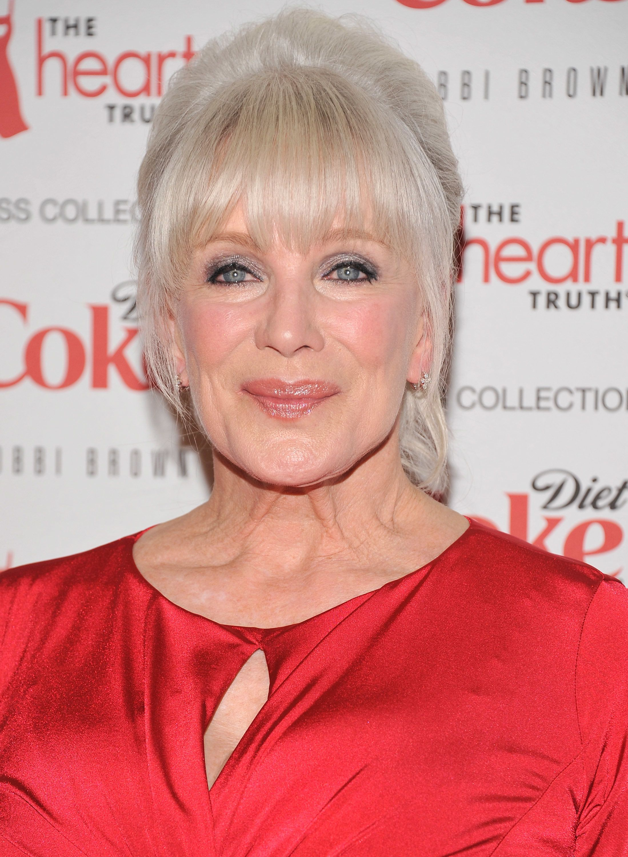 Linda Evans being considered for Mary Berry replacement on 'Bake Off',