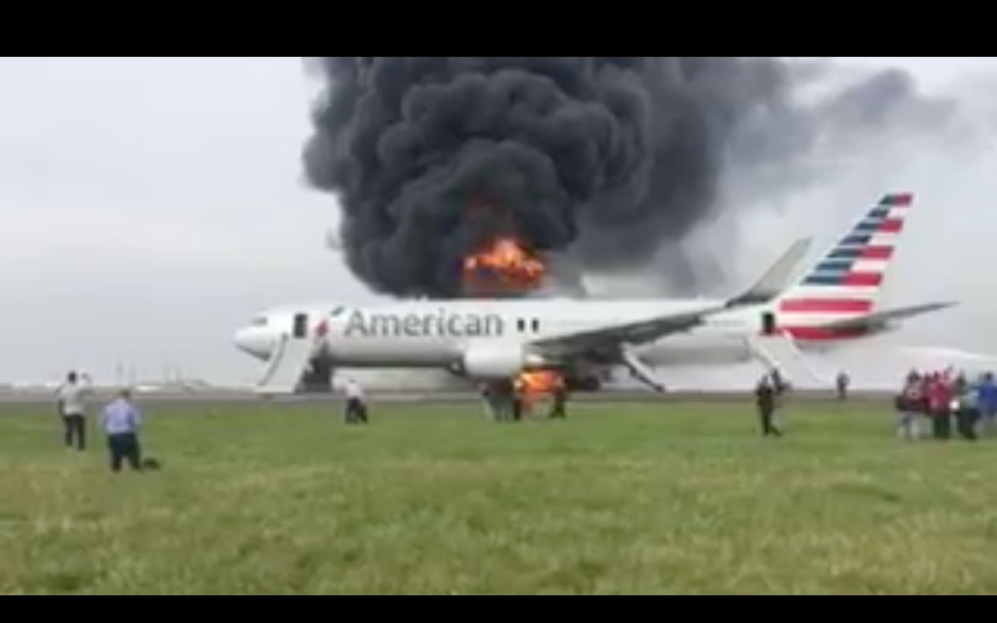 At Least Eight Injured As Plane Catches Fire At Chicago