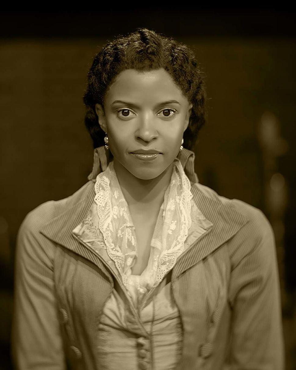 Renée Elise Goldsberry asAngelica Schuyler.