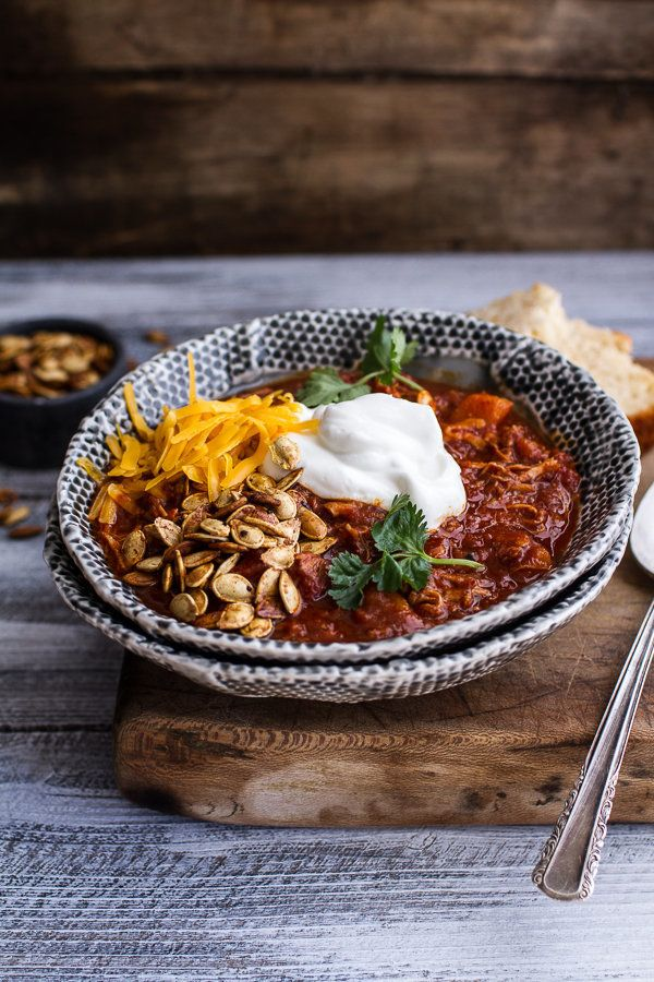 "<strong>Get the <a href=""http://www.halfbakedharvest.com/crockpot-chipotle-pulled-pork-pumpkin-chili-wcinnamon-roasted-pumpki"