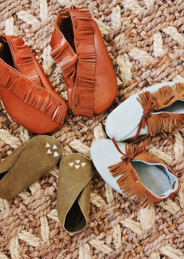 """<strong>Get the<a href=""""http://www.abeautifulmess.com/2012/10/diy-mo.html"""" target=""""_blank"""">DIY Baby Moccasins project</"""