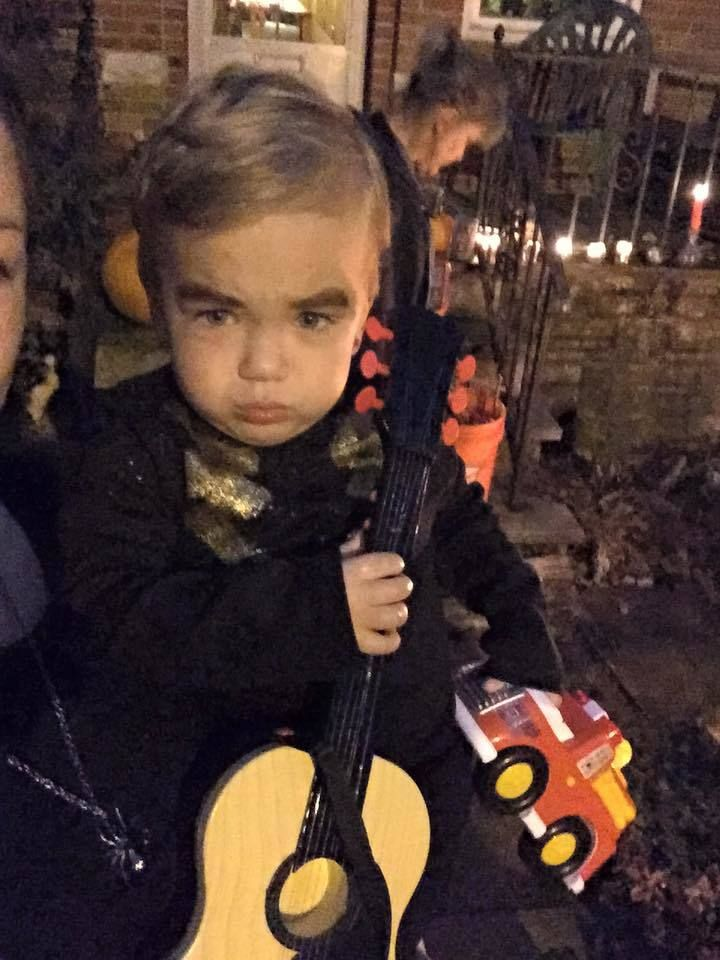 sc 1 st  HuffPost & The Year My Toddler Dressed Up As Neil Diamond For Halloween | HuffPost