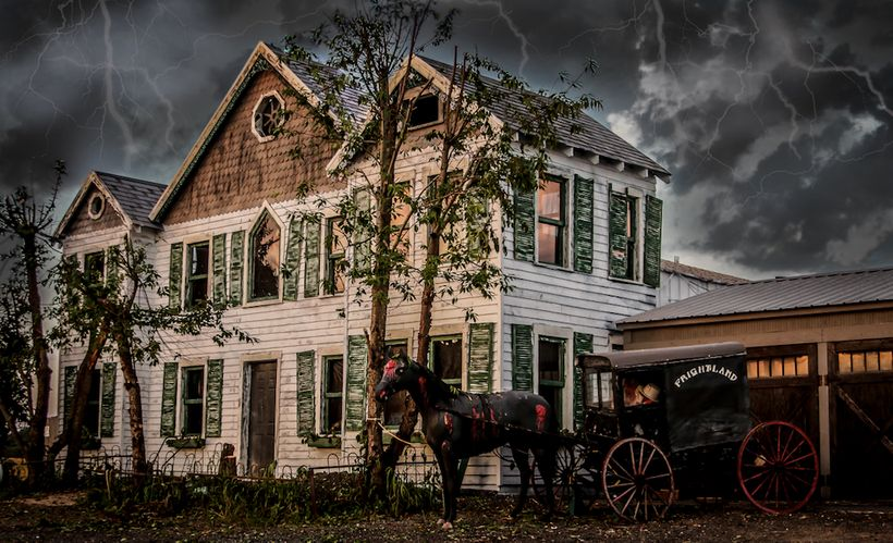 "Idalia Manor haunted house at <a href=""https://www.frightland.com"" target=""_blank"">Frightland Haunted Attractions</a> in Midd"
