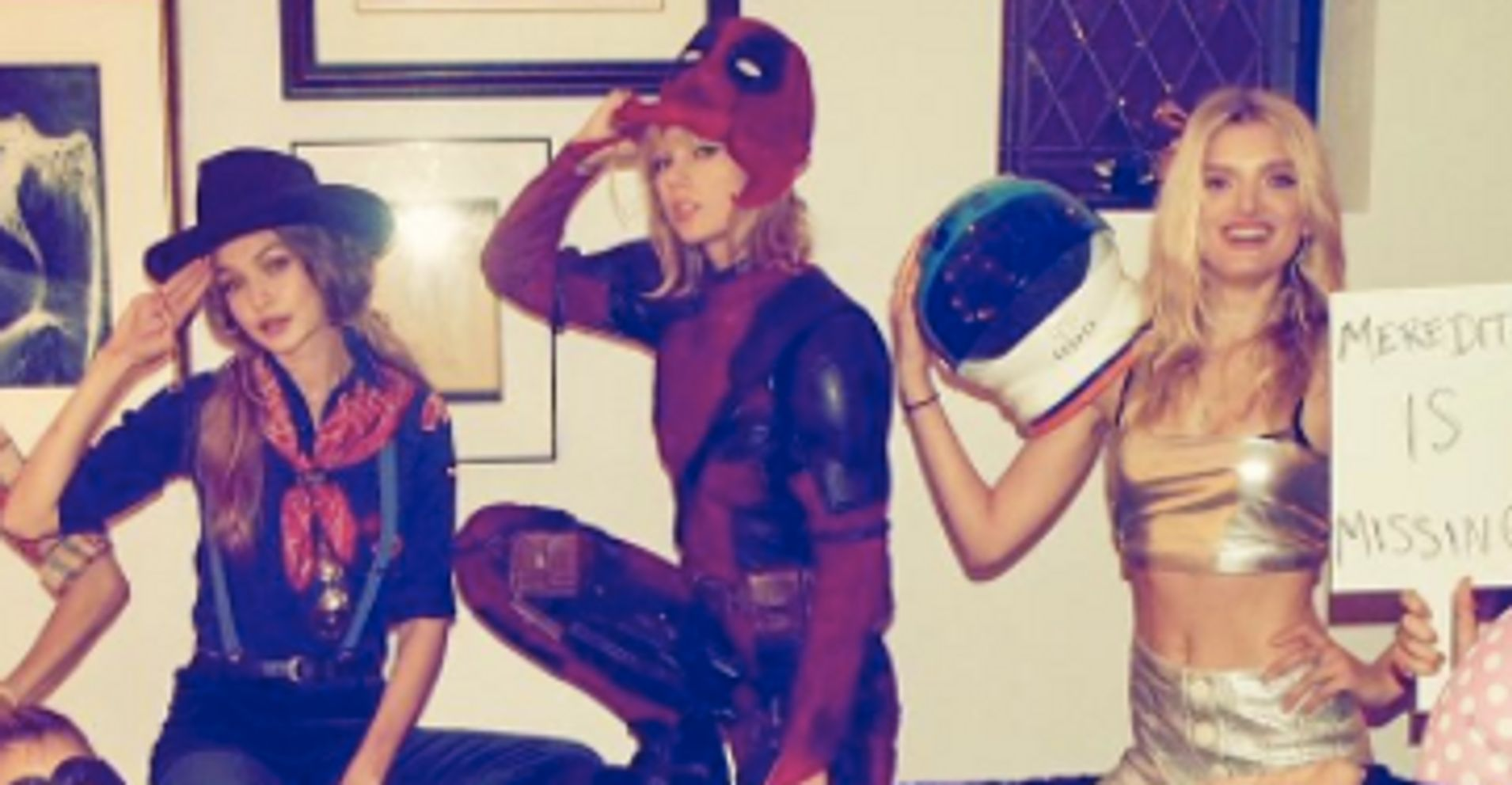 Taylor Swift Totally Would Borrow Ryan Reynolds' 'Deadpool ...