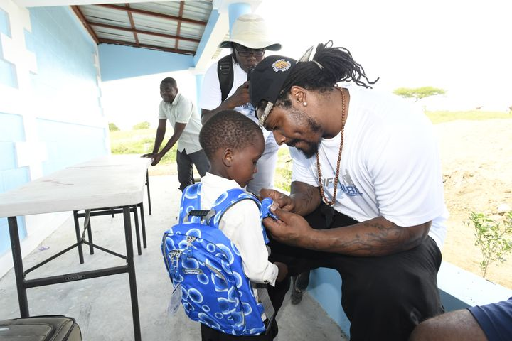 """""""I've always known that Marshawn is very big on helping the kids,"""" Tia Avril tells HuffPost. """"He was"""