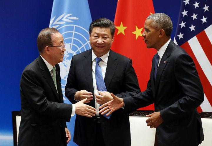 U.N. Secretary General Ban Ki-moon, Chinese President Xi Jinping andU.S. President Barack Obama during a joint ratifica