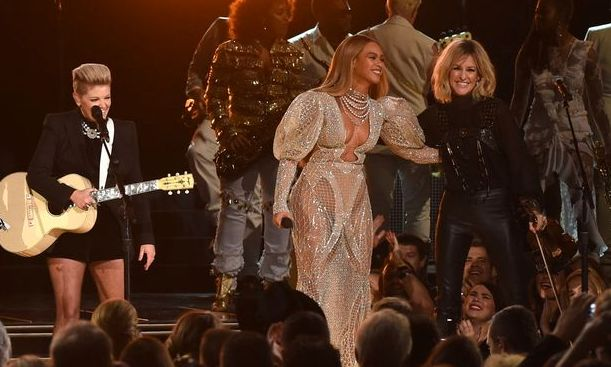 Beyonce took to the stage with the Dixie Chicks for a moment of CMA