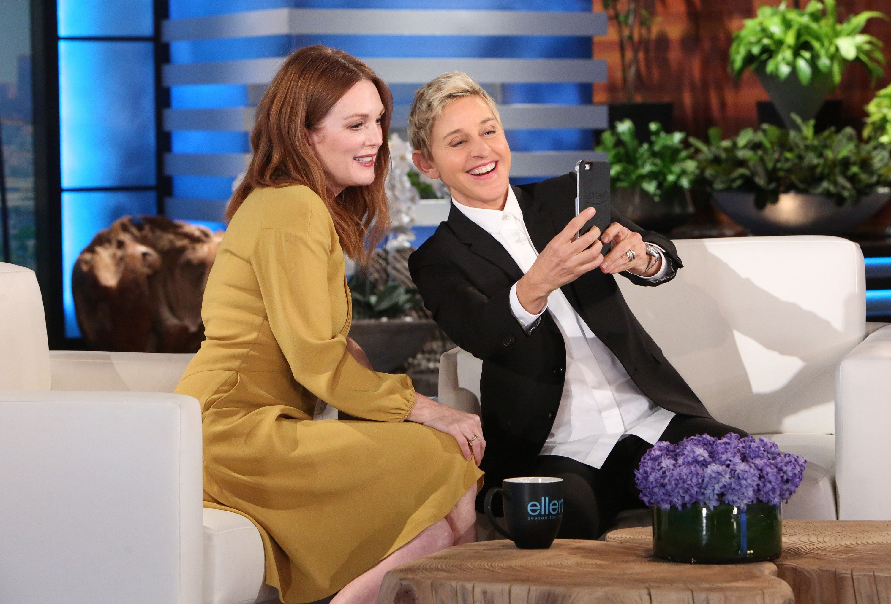 """In this photo released by Warner Bros., a taping of """"The Ellen DeGeneres Show"""" is seen at the Warner Bros. lot in Burbank, Calif. (Photo by Michael Rozman/Warner Bros.)"""