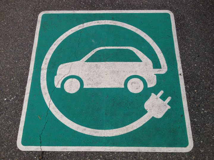 Electric vehicles are a key part of the energy revolution. © Paul Krueger/Flickr via Creative Commons license