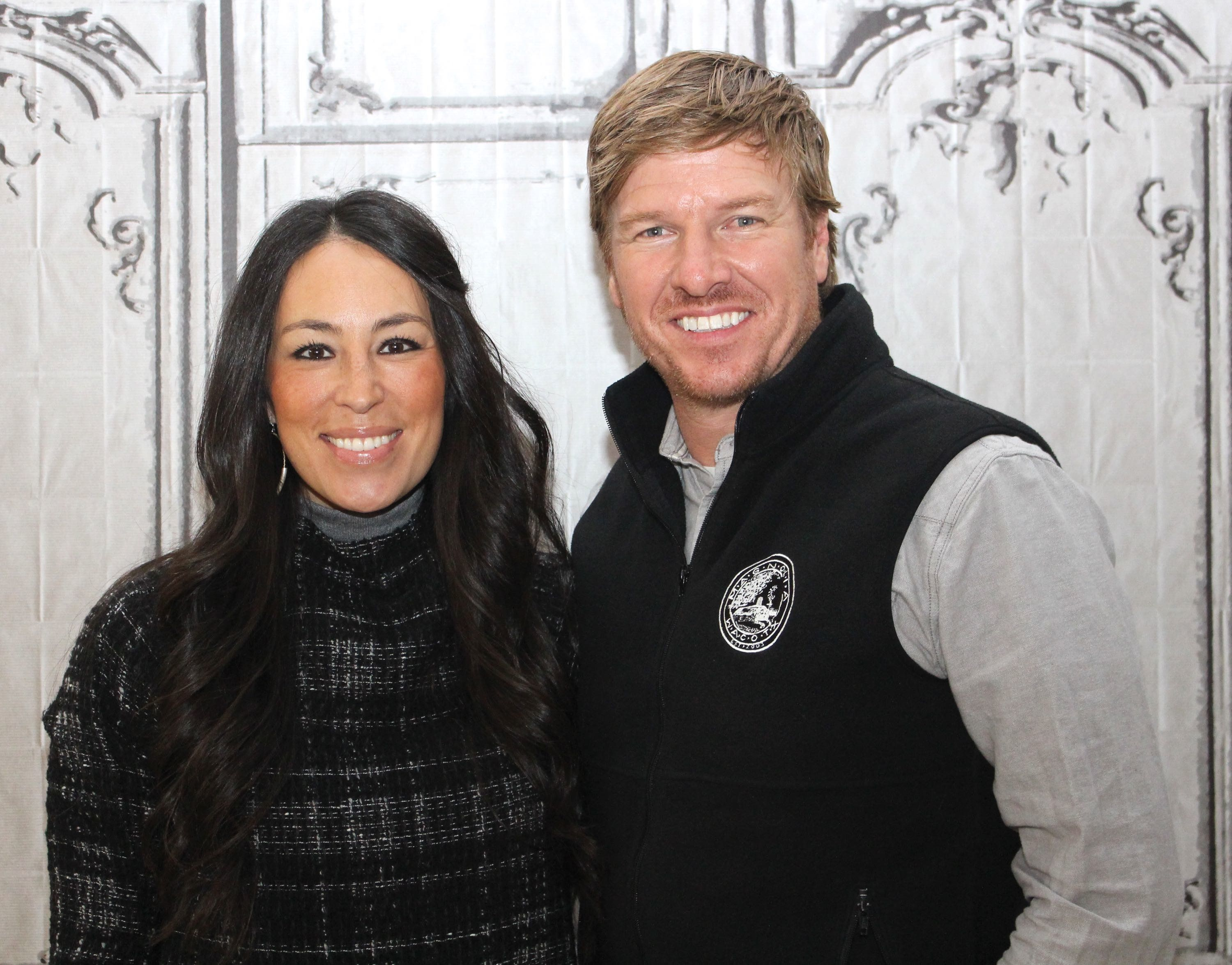 """The stars of """"Fixer Upper"""" have been married 13 years."""