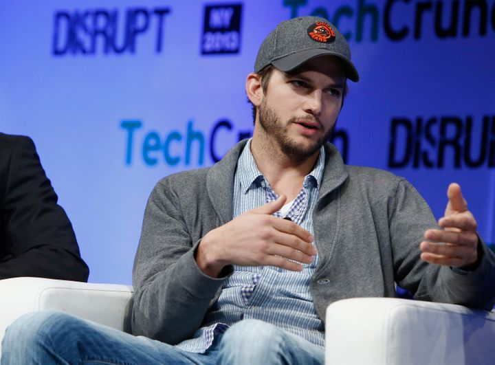 "<a href=""https://flic.kr/p/efLFYd"" target=""_blank"">Ashton Kutcher at TechCrunch Disrupt NY</a>"