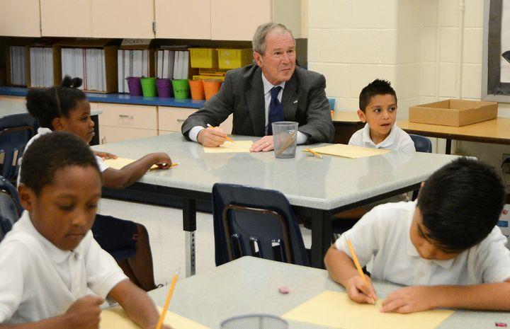 "Former President George W. Bush <a href=""https://www.flickr.com/photos/georgewbushcenter/30137165500/"" target=""_blank"">visits"