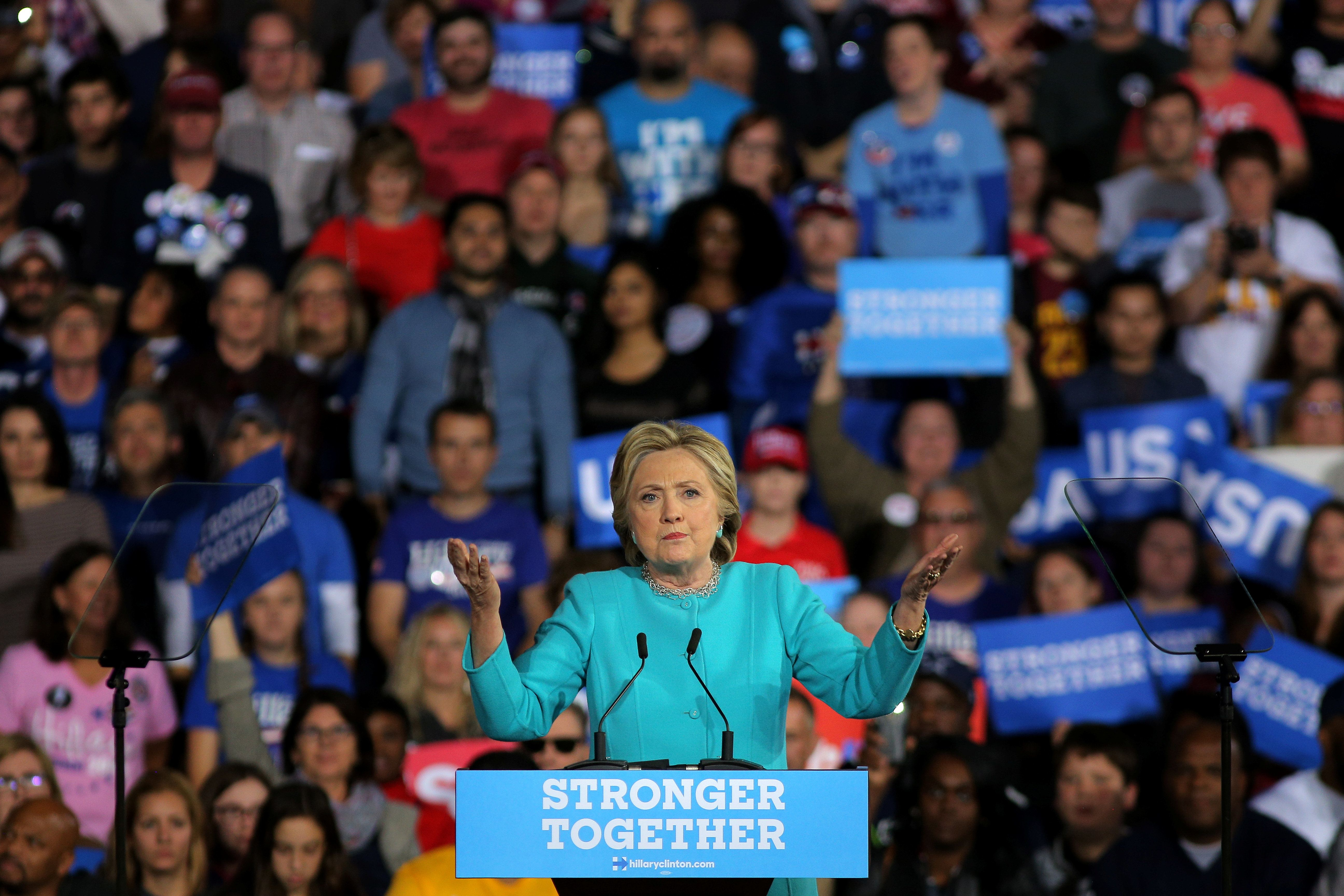 Hillary Clinton Gets Boost From FBI News As Race Hits Final