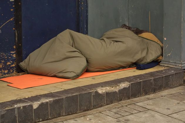 The document advises TfL staff 'vagrants' are often 'dirty and smelly' (file