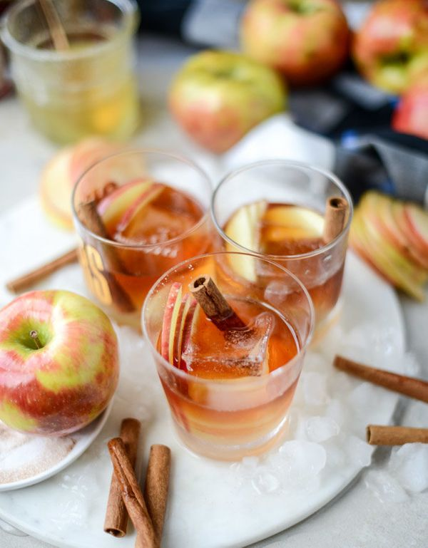 "<strong>Get the <a href=""http://www.howsweeteats.com/2016/09/honeycrisp-old-fashioned/"" target=""_blank"">Honeycrisp Old Fashio"