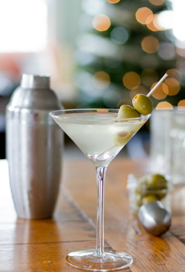 "<strong>Get the <a href=""http://eatboutique.com/2013/12/18/extra-dirty-martini/#.UrcB5aUw1sM"" target=""_blank"">Extra Dirty Mar"
