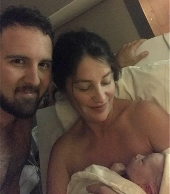 Woman in Labor Casts Vote on the Way to the Hospital