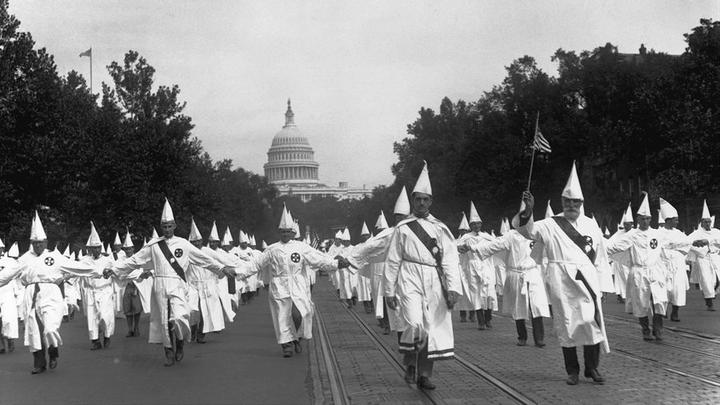 40,000 Klansmen march on Washington DC in1925