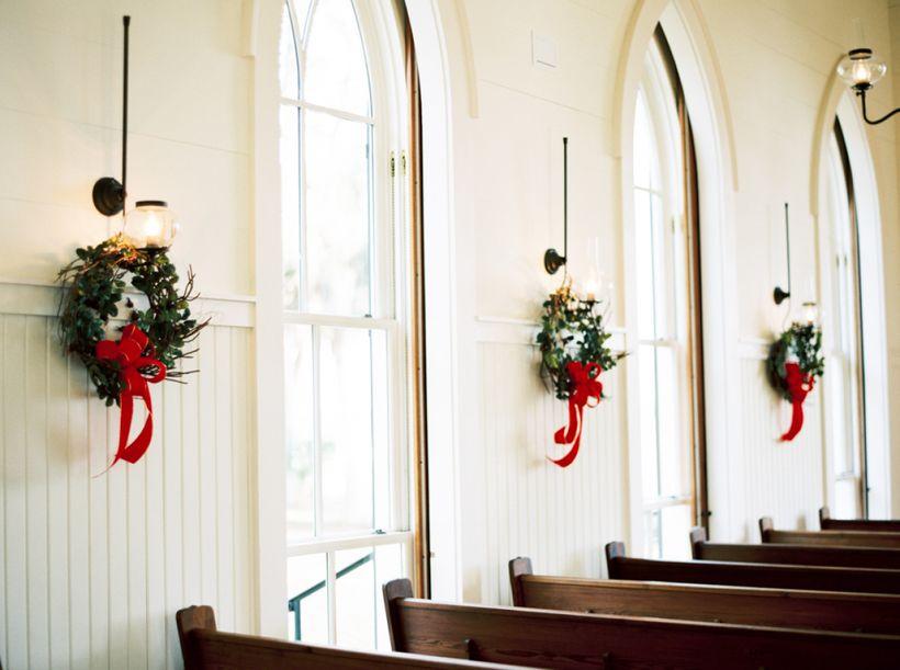 "<a href=""http://www.stylemepretty.com/2015/12/22/south-carolina-holiday-wedding-at-palmetto-bluff/"" target=""_blank"">SOUTH CAR"