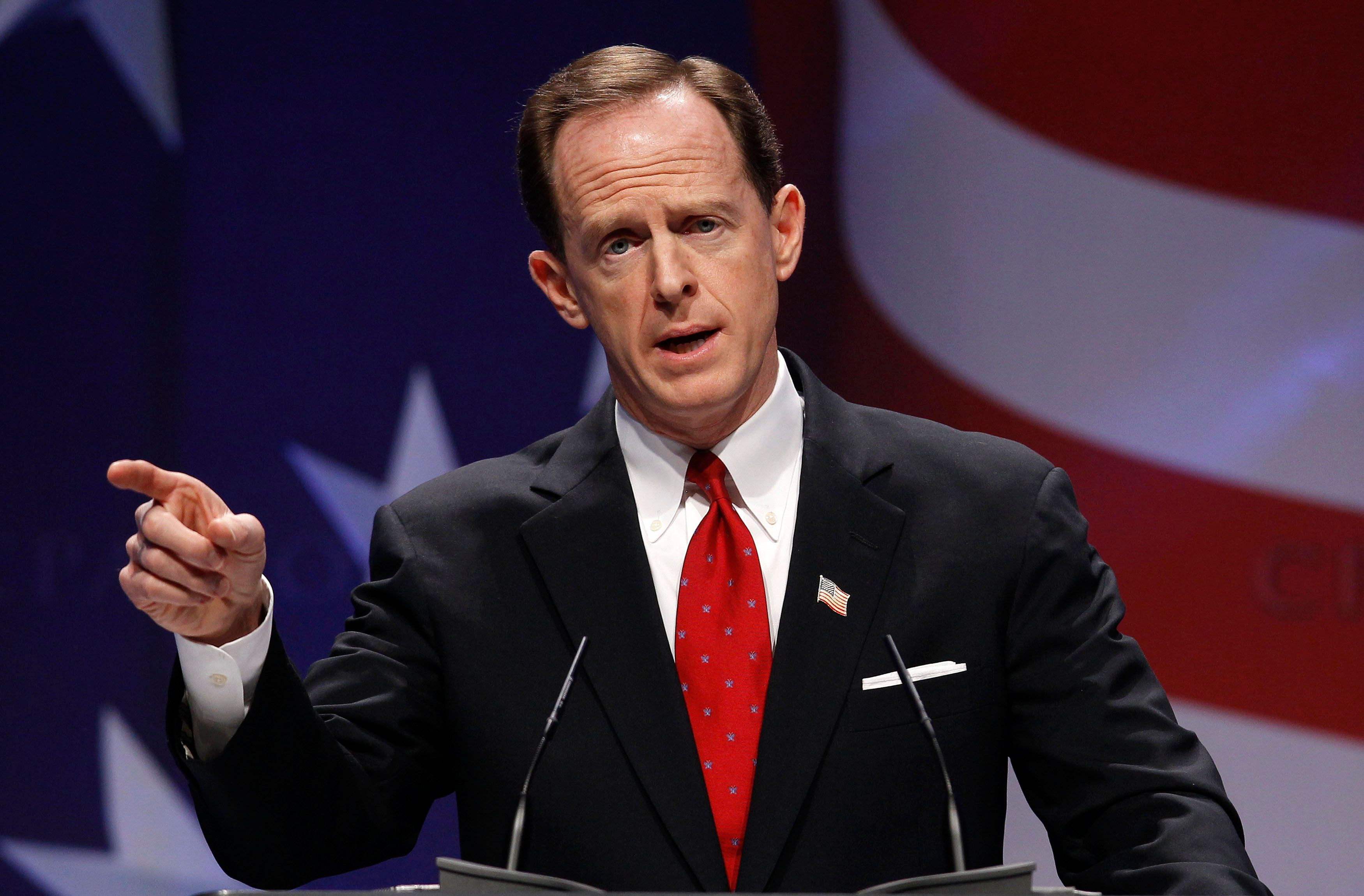 FILE PHOTO --  U.S. Senator Pat Toomey (R-PA) speaks to the 38th annual Conservative Political Action Conference meeting in Washington DC, U.S. February 10, 2011.   REUTERS/Larry Downing/File Photo