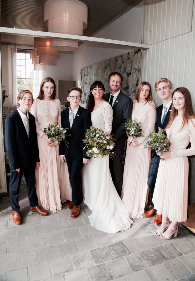 Couple pull off surprise wedding after inviting friends and family rebecca wilton junglespirit Images