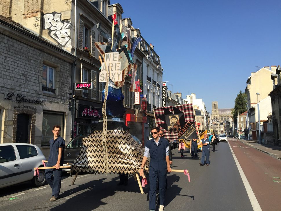 "Lara Schnitger, ""Protest Parade (Suffragette City),"" 2015 FRAC Champagne-Ardenne, Reims, France"