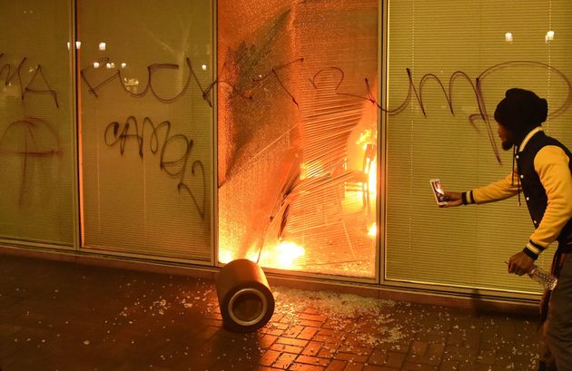 Oakland: Rioters trashed and vandalised