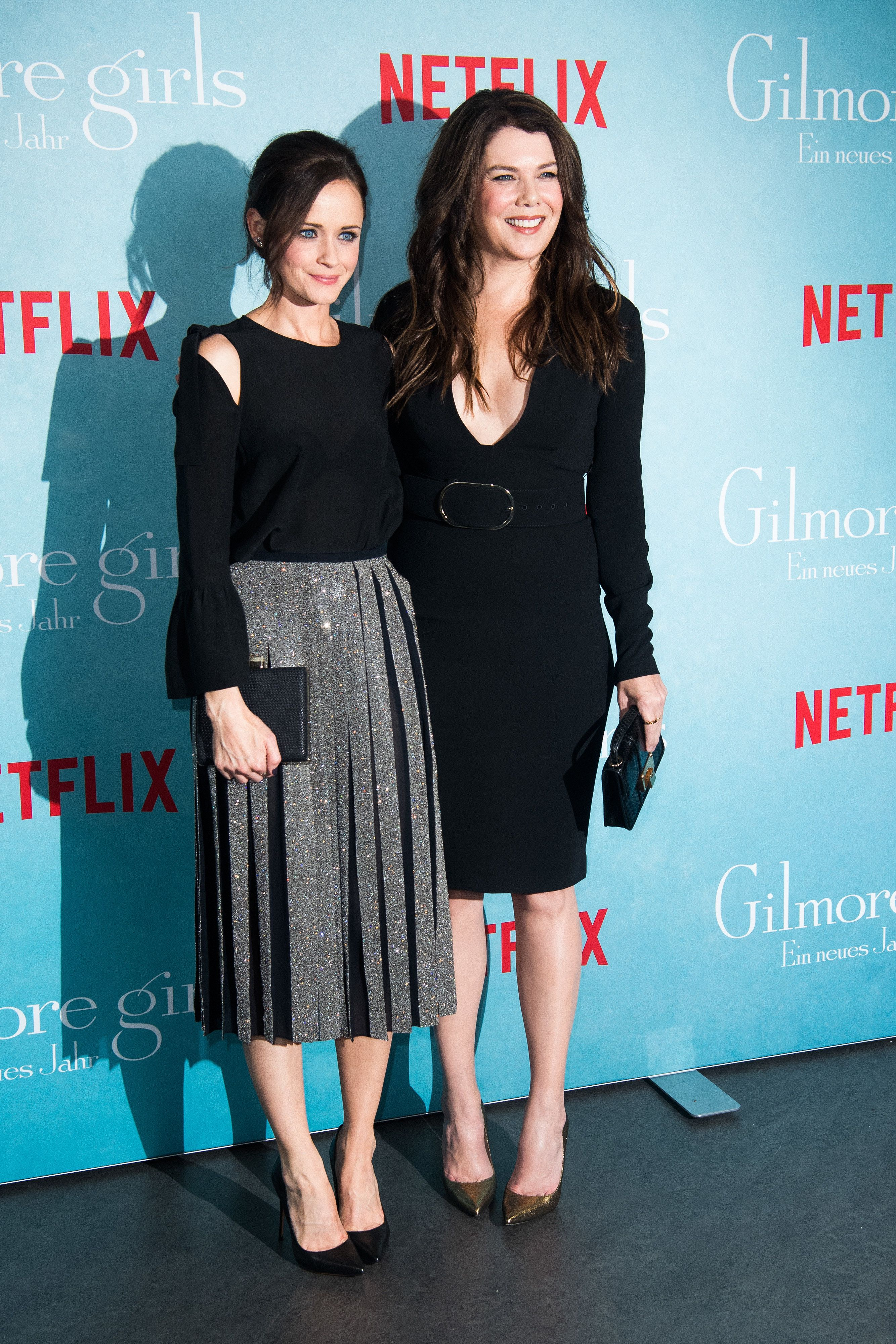 BERLIN, GERMANY - NOVEMBER 10:  Alexis Bledel and Lauren Graham attend the 'Gilmore Girls' fan event at Admiralspalast on November 10, 2016 in Berlin, Germany.  (Photo by Matthias Nareyek/Getty Images)