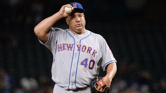 PHOENIX, AZ - AUGUST 15:  Bartolo Colon #40 of the New York Mets reacts during the first inning of the game against the Arizona Diamondbacks at Chase Field on August 15, 2016 in Phoenix, Arizona.  (Photo by Jennifer Stewart/Getty Images)
