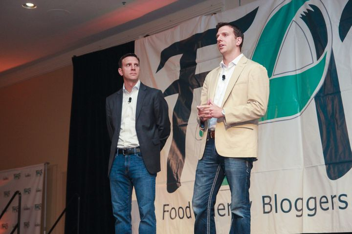 <p>The Edwards brothers address the audience in Denver, Colorado about Auvi-Q coming back to market.</p>