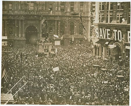 """Armistice Day celebrations in <a href=""""https://en.wikipedia.org/wiki/Philadelphia"""" target=""""_blank"""">Philadelphia</a>, Pennsyl"""