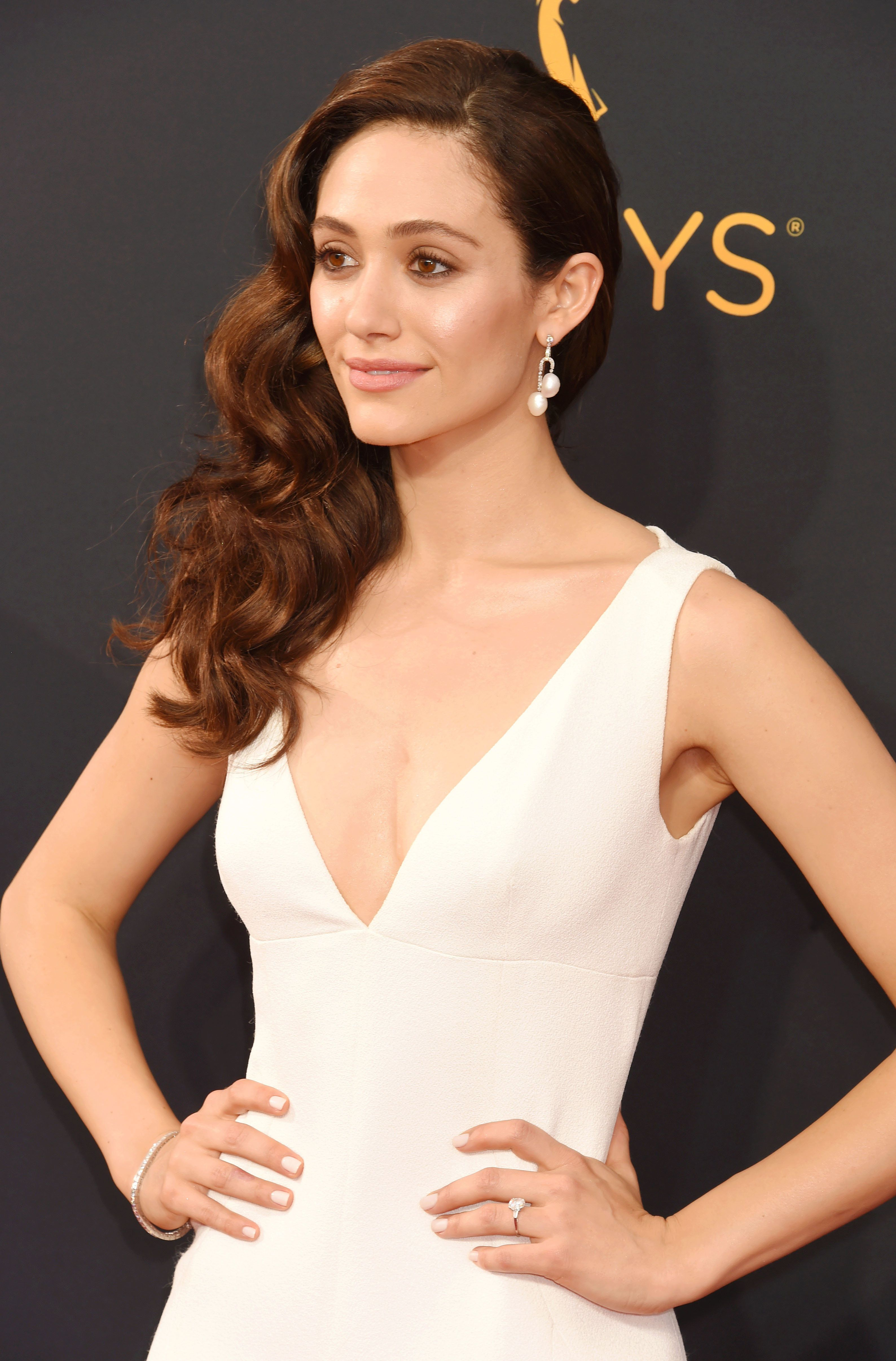 LOS ANGELES, CA - SEPTEMBER 18: Actress Emmy Rossum arrives at the 68th Annual Primetime Emmy Awards at Microsoft Theater on September 18, 2016 in Los Angeles, California. (Photo by Jeffrey Mayer/WireImage)