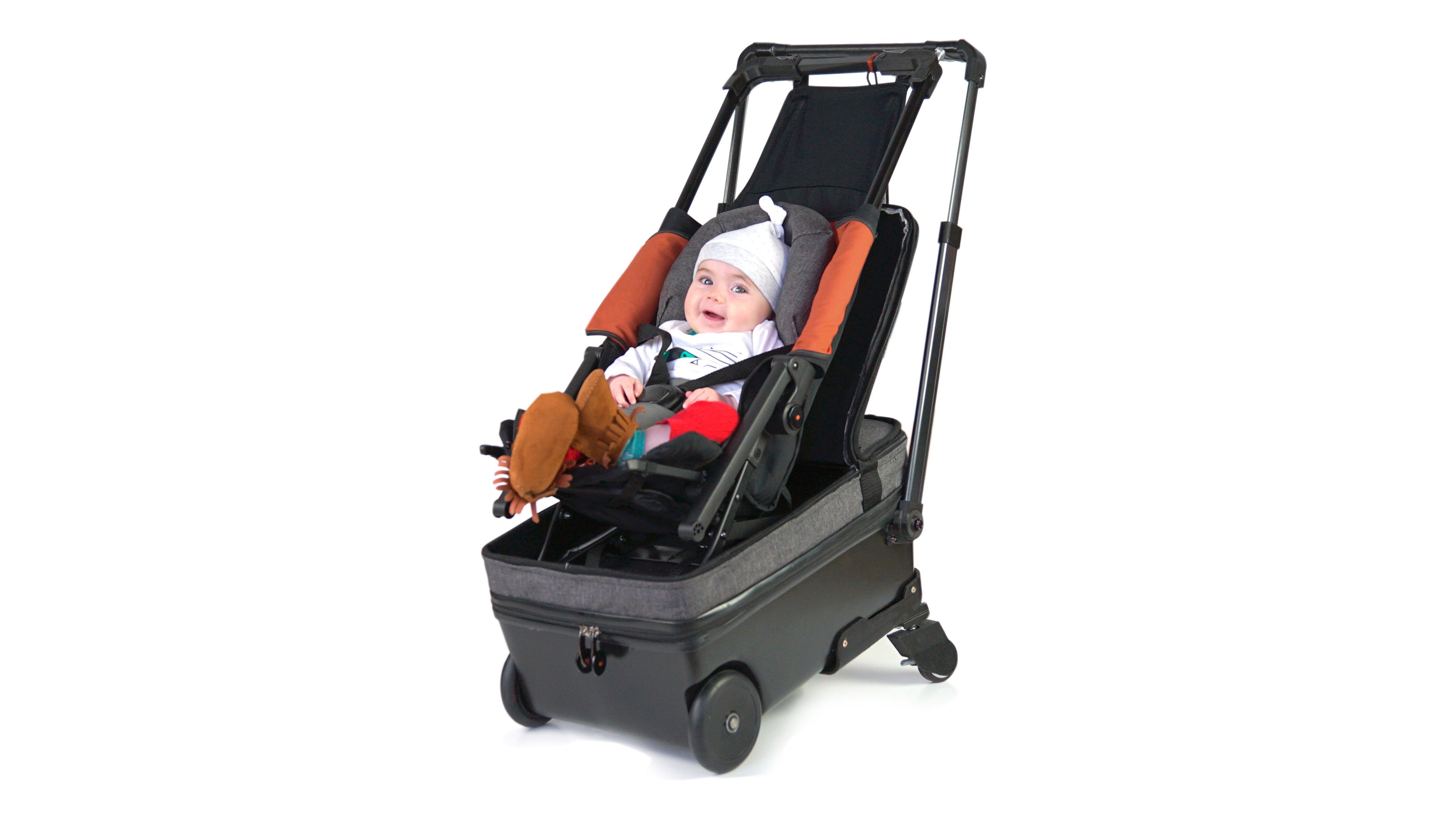 Born to Fly Baby is a traveling system made up of a stroller and a carry-on case.