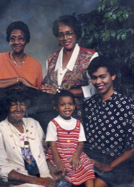 The author as a little girl with (counterclockwise from left) her mother, Nana, Muss and her great-great-grandmother.