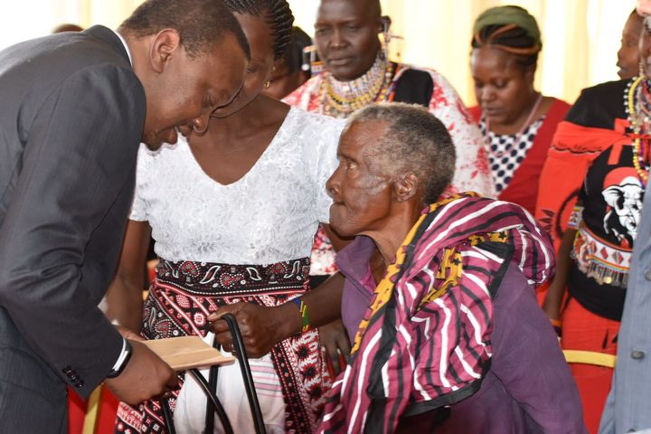 The President meets Mrs Jumwa Kabibu who after 50 years of misery underwent a successful UN supported fistula surgery