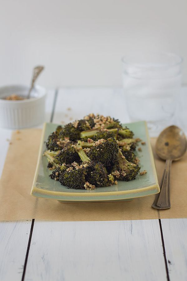 """<strong>Get the <a href=""""http://slimpalate.com/roasted-pecan-broccoli-paleo-grain-free-gluten-free/"""" target=""""_blank"""">Roasted"""