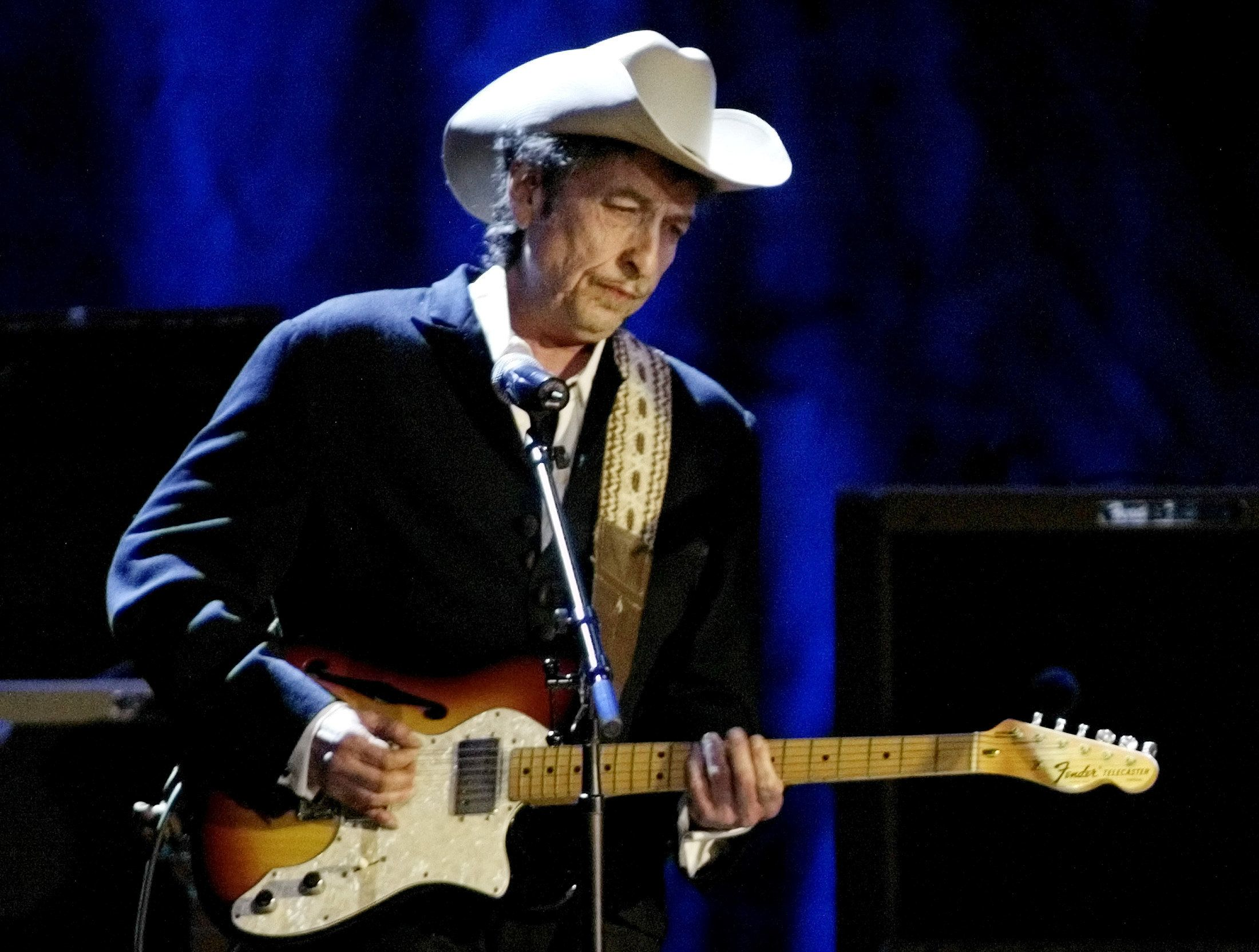 Bob Dylan, winner of the Nobel Prize this year, will not attend the Nobel Prize ceremony in December.