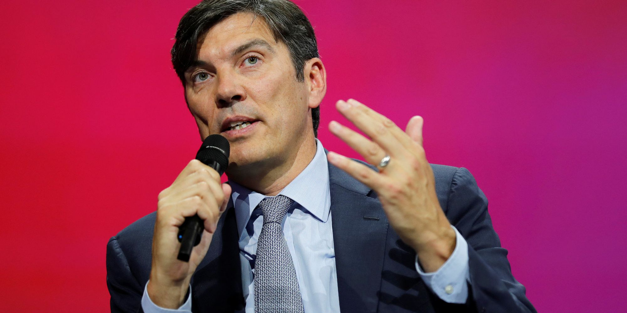 AOL Lays Off 500 People