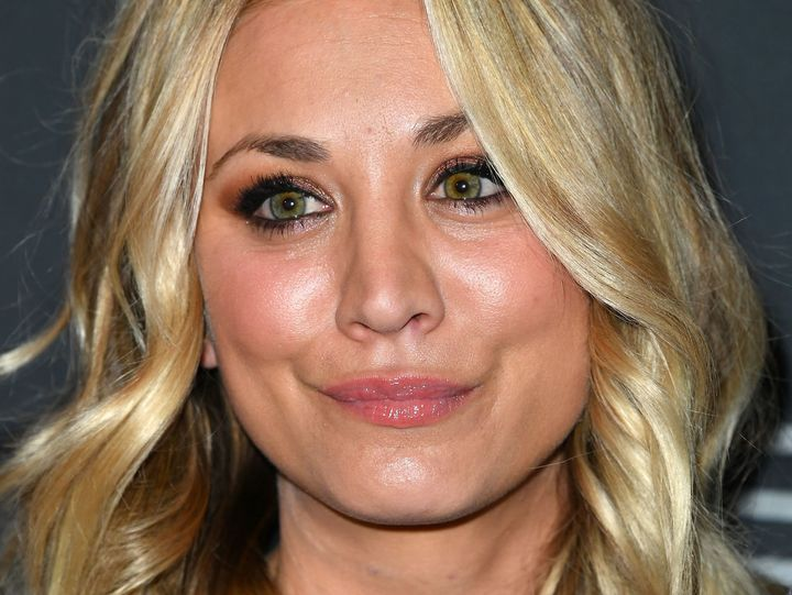 Don T Even Try To Shame Kaley Cuoco About Her Plastic Surgery Huffpost