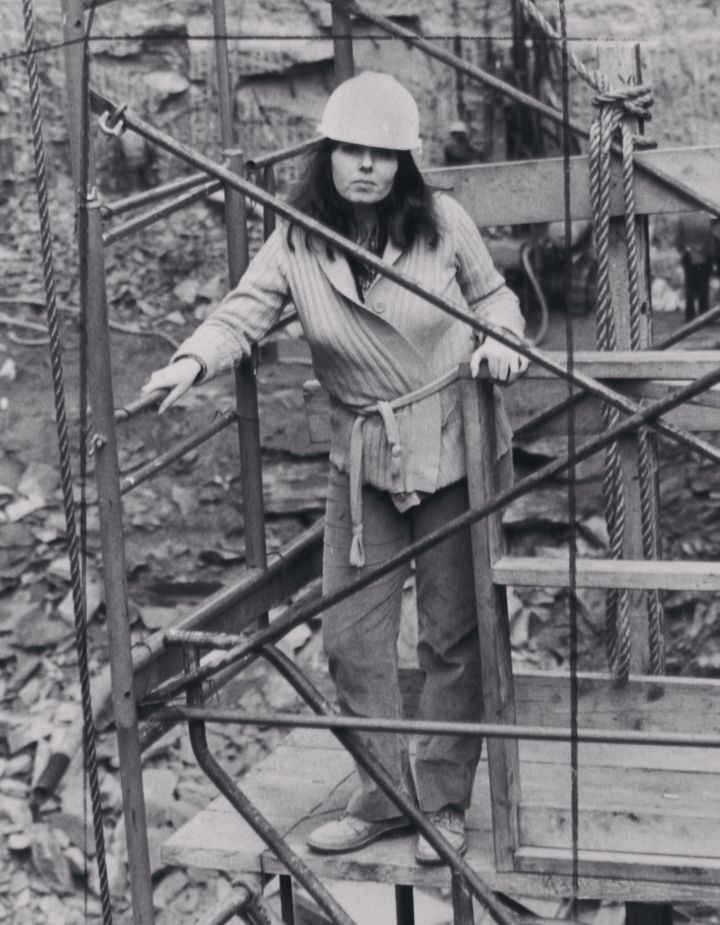 Barbara Res on a platform above a Fifth Avenue construction site on December 9, 1980.
