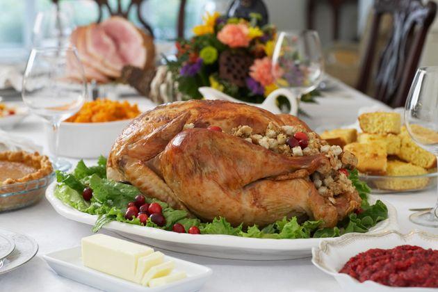 「感謝祭のディナーにおいで」おばあちゃん、孫と間違ってメール。でも結局ご招待
