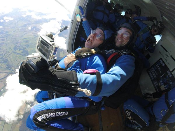 Brit Martin Rees managed to do 11 magic tricks while skydiving.