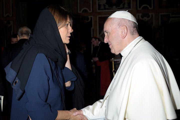 Tanenbaum <em>Peacemaker</em> Hind Kabawat meets Pope Francis